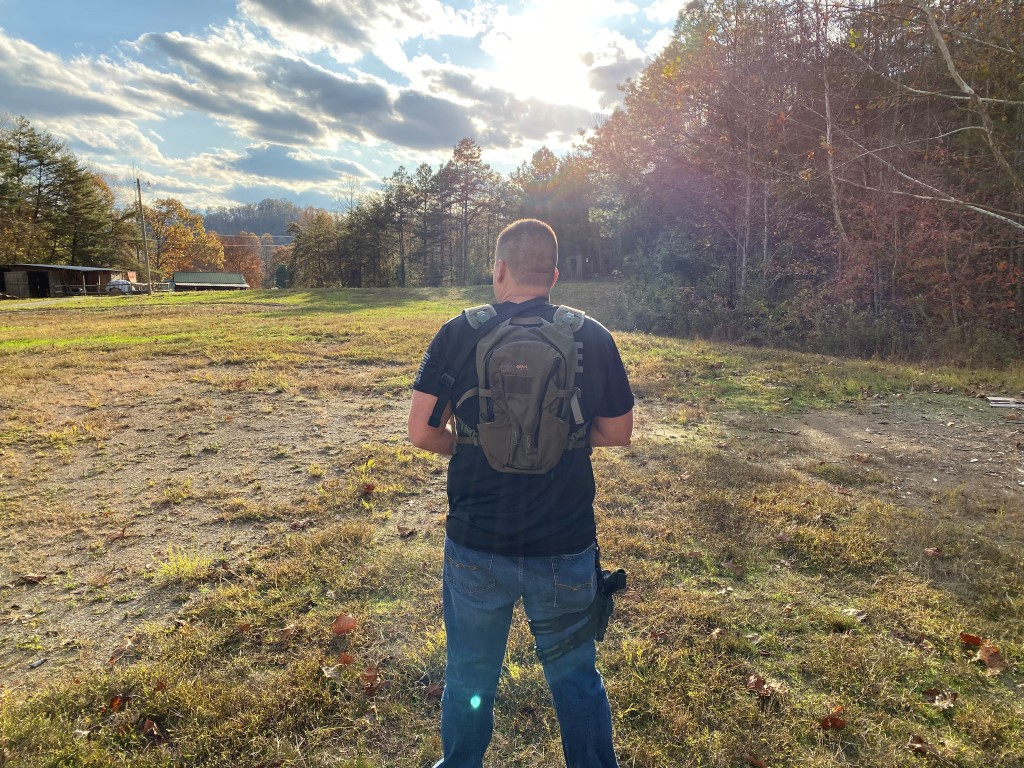 Wolf 9 Liter Advanced Hydration Backpack 1