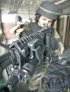 0006789_pls1-1-low-profile-offset-flashlight-laser-mount-screw-tightened.jpeg 3